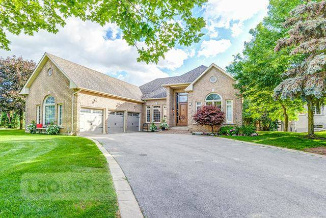 $2,338,000, Luxurious 4-bedroom home in Kleinburg! 53 Whisper Lane