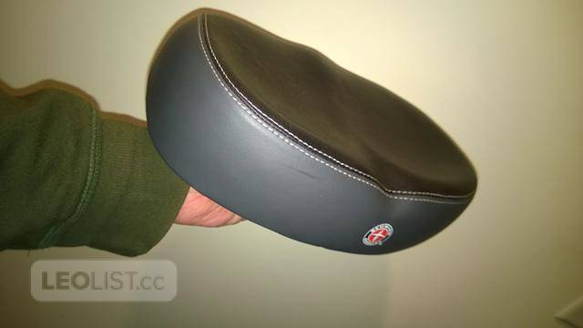 $25, Schwinn Comfortable Ergonomic Soft Wide Large No Pressure Bicycle Bike Seat