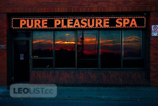 """We are looking for """" The It Girl """"..... Start A.S.A.P @ Pure Pleasure Spa 647-352-3030"""