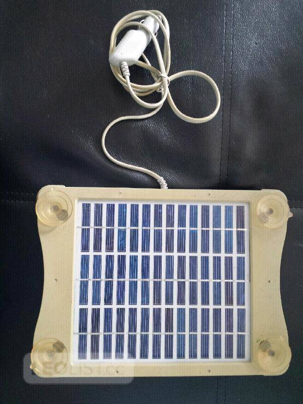 $20, Volkswagen VW Solar Panel Battery Trickle Charger. 1CO 915 687