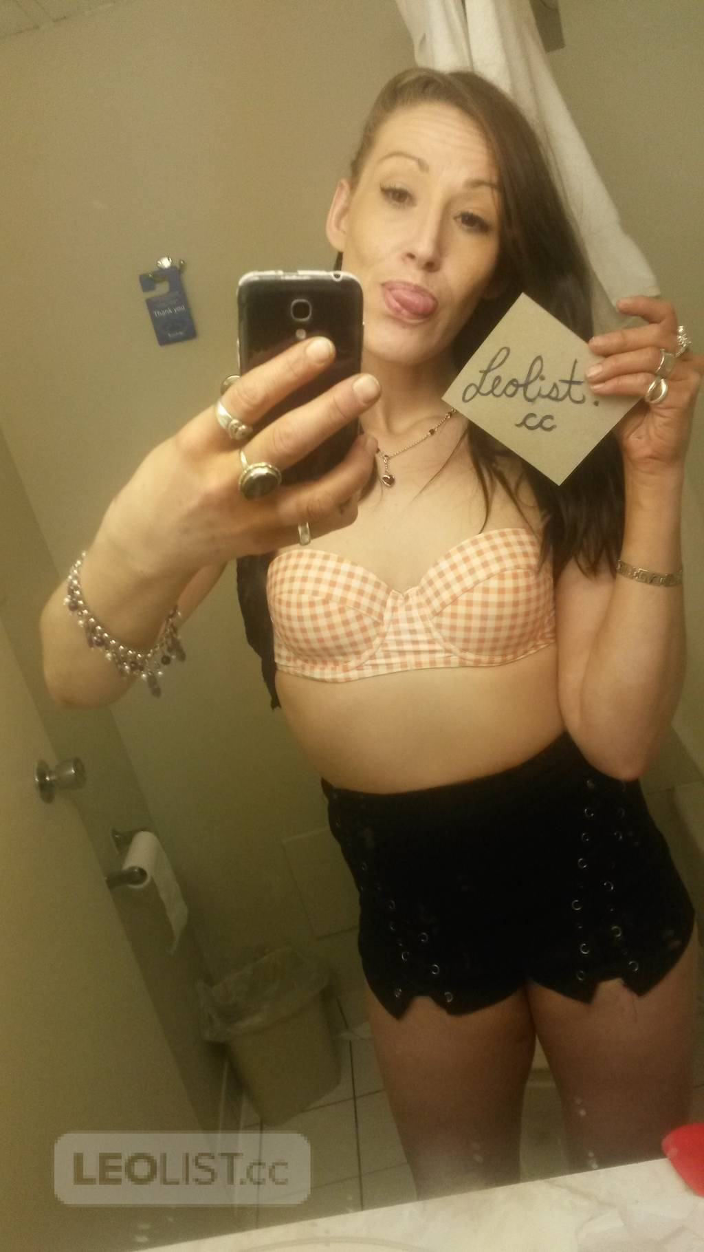 Come get wild with sexy tia