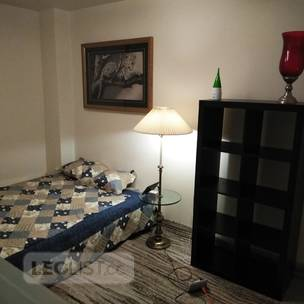 Room for rent near Subway