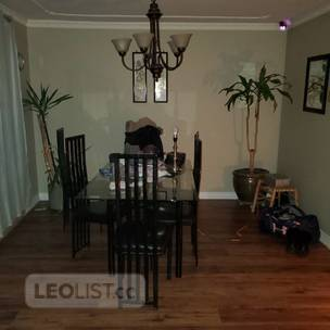 rooms for rent in large private residence